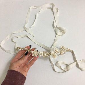David's bridal crown or sash